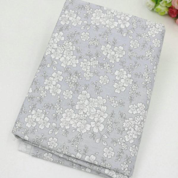 tissu gris - collection perle - 03 - motifs floraux