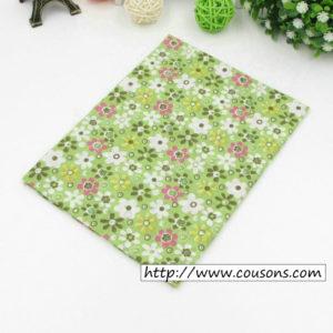 04 - tissu vert - collection Alchemille - vert a fleurs multicolores