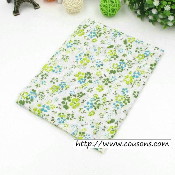 06 - tissu vert - collection Alchemille - fleurs vertes et bleues
